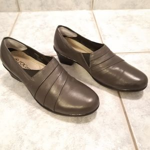 Women leather shoes by I 💛 Comfort size 8 leather